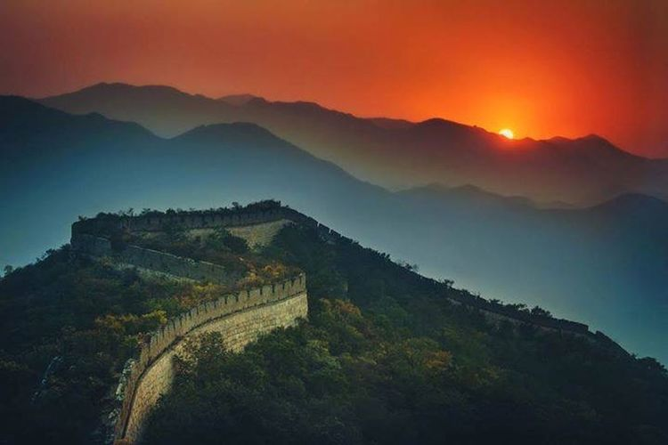 Evening View Red You Should See It Chinesewall Evening Sky Nightphotography Sky