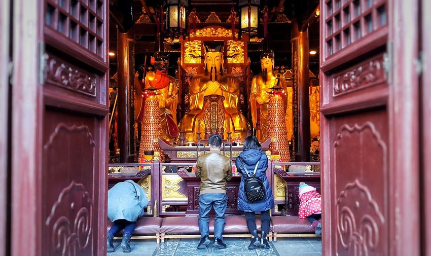 Praying for health, love, happiness, good fortune... Place Of Worship Spirituality Religion Cultures Superstition  Chinese Culture Chinese Temple Chinese Tradition Praying Prayers Gods Places Of Worship Enjoying The View Sightseeing Travel Destinations Tourist Attraction  Historical Site Faith Faith&devotion FaithInGod Gold Colored Statues at 豫园 Shanghai, China