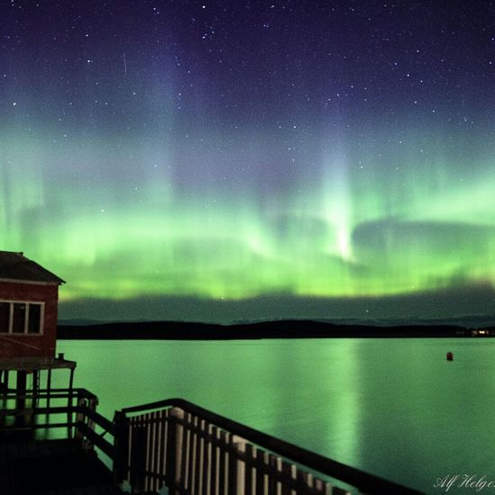 Aurora Star - Space Lake Sky Nature Water Beauty In Nature