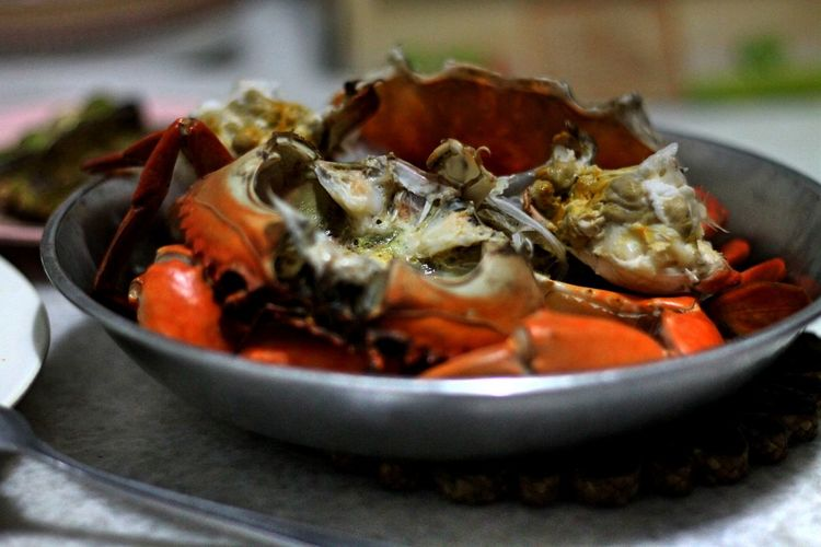 Close-Up Of Crab In Bowl On Table