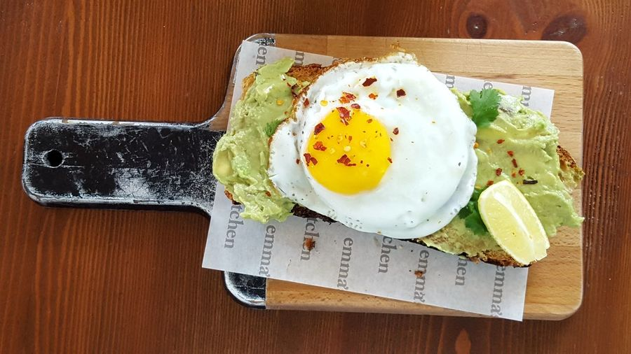 Avocado Avocados Abocado Toast Avocado Bread Ei Spiegelei Lime Limette Ready-to-eat Healthy Food Food Foodlovers Foodporn Food Foodlover Malta Maltaphotography Eyeem Food  Egg Yolk Directly Above Table Wood - Material High Angle View Breakfast Egg Plate Close-up Food And Drink Fried Egg Egg White