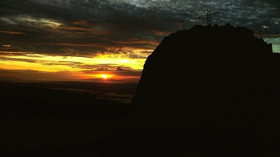 Mt Napulak #Sunrise City Silhouette Orange Color Sky Cloud - Sky Atmospheric Mood Sun Sunrise Romantic Sky Calm Majestic First Eyeem Photo