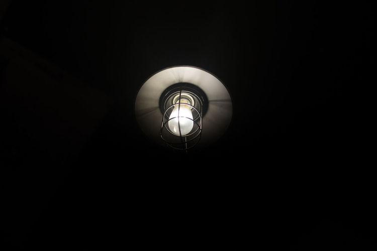 Single light in