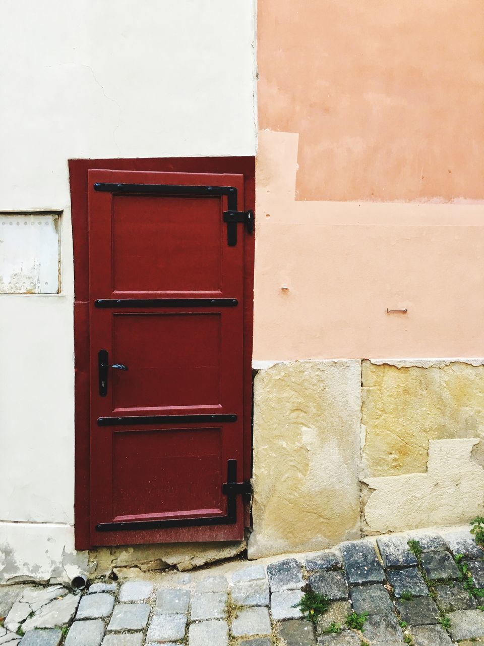door, architecture, built structure, red, day, no people, outdoors, building exterior, public mailbox, close-up