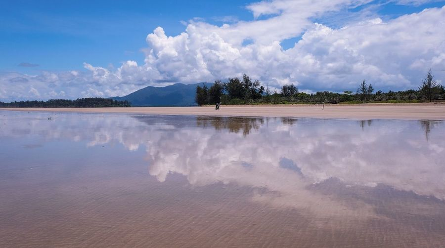 Sematan beach Cloud - Sky Sky Water Scenics - Nature Beauty In Nature Tranquil Scene Tranquility Reflection Beach Nature