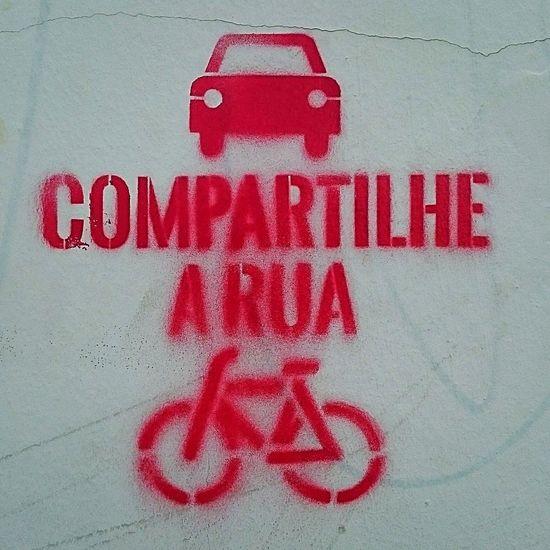 Rua Stencil Stencil Art Graffiti Graffiti Art Murosdf Muros Mobilidade Urbana Arteurbana UrbanART Urbanartphotography PhonePhotography