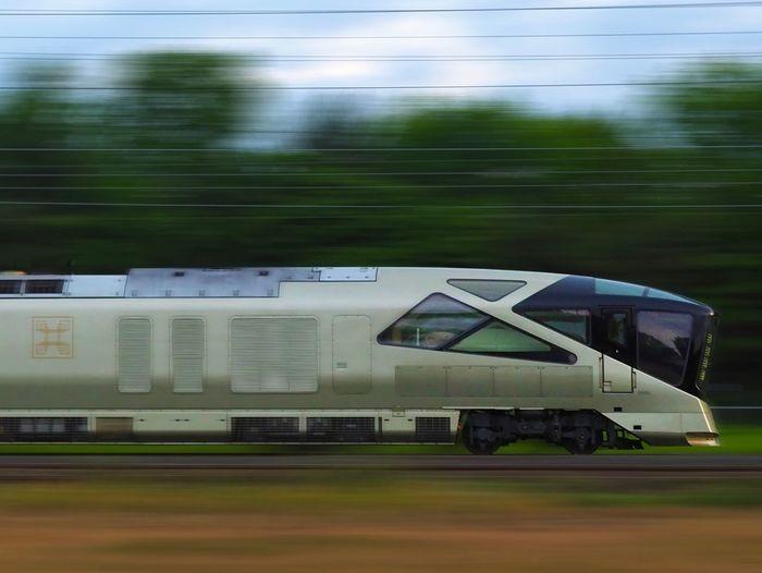 Transportation Land Vehicle Motion Outdoors Train 四季島 乗り物 Summer ☀ The Week On EyeEm Breathing Space Opulent Trains 豪華列車 Railway 疾走