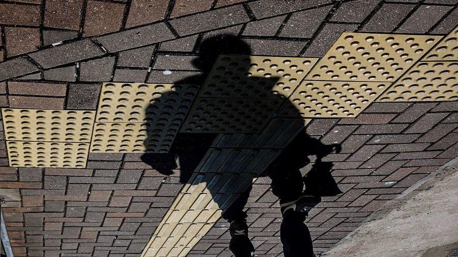 Street-phantom | Hongkong 2016 - 16 x 9 Street Shadow Phantom Random People Shadow Play Outdoors Photo Photography Streetphoto Streetphotography Visual Story Storytelling Urban HongKong EyeEm Eyeem Philippines Streetphantom Upside Down The City Light