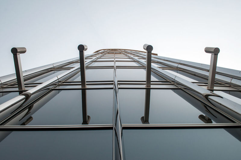 LOW ANGLE VIEW OF BUILT STRUCTURE AGAINST CLEAR SKY