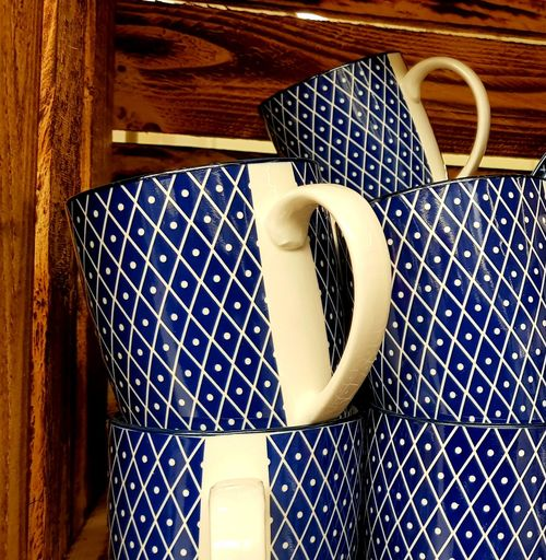 Punkt an Punkt... point by point Tassen Cups Blue And White Point Blau Und Weiß Punkte Like Colorful Eyeem Photography Taking Photos Pattern Close-up Wooden