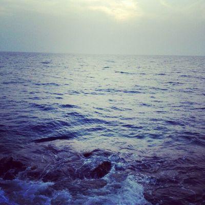 ما اروع تلاطم الامواج البحر بحرين قطر الامارات السعوديه عمان كويت
