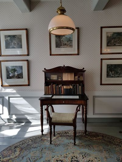 Antique Furniture Table No People Indoors  Home Interior Architecture Home Showcase Interior Living Room Beauty In Ordinary Things On Tour Card Design Things Around Me Personal Perspective On Tour With My Handy Focus On Foreground Storm Museum Theodor Storm Museum Art Photography Scenics Husum Husum History Light And Shadow Tourism Wooden Tourist Destination