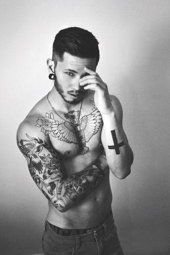 I fell in love 😍😲 credit to Stevotrann Vietnamesemodel Model Mixedblood i'm gay for him 😂✌🏾️ Gayrights