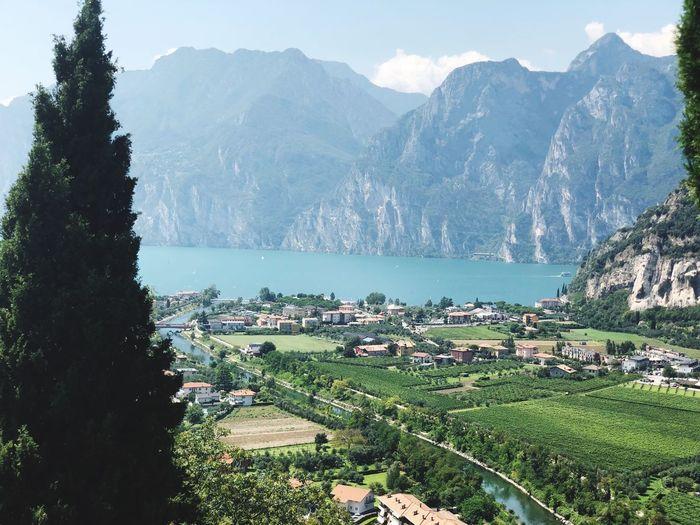 ITALIA😍 Profi Italien Plant Mountain Tree Scenics - Nature Nature Beauty In Nature Water Mountain Range Land Day Green Color