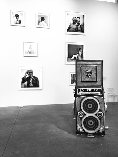 Expo Malick Sidibé - Fondation Cartier Bnw_collection Black And White Exposition Exposition Photos Indoors  Photograph Home Interior Technology Photography Themes No People