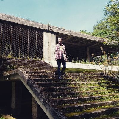 Edisi : JarambahMisteri Sekarang tempat ini jadi sarang hantu, mungkin beberapa hari/minggu ke depan tempat ini bakal jd sarang para fotografer yg hunting tempat anti mainstream di sekitaran Bandung.. Lokasi : Lembang, Jawa Barat Ridwanderful JarambahBandung DiBawahLangitBandung BandungIsMe