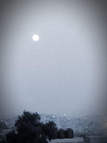 La Luna Mexico Clouds And Sky Blackandwhite del tamaño del sol