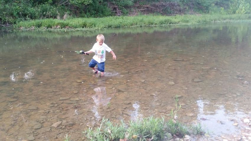 Fishinf Family 🙏🙌 Missouri Ozarks, USA 💥💖 💯 Country Life Fun💕 👫 Grandkids 💙💛💜 Creek Preschooler Peaceful Playing Fishing Water Child Full Length Childhood Males  Boys Smiling Tree Fun Standing Water Reflection Shallow Clear Stream