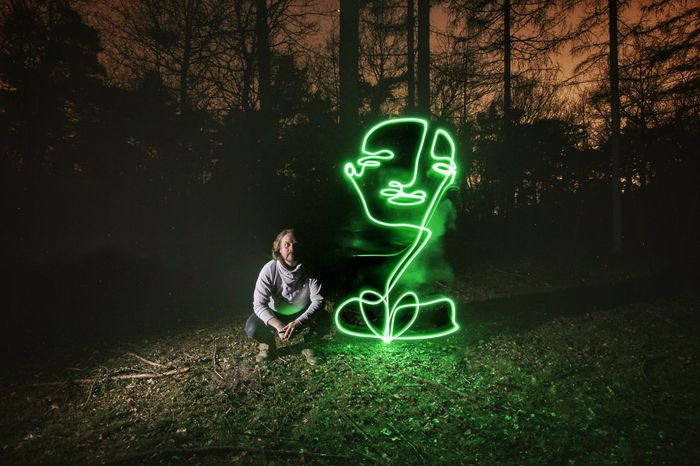 Drawing Singleline Portrait Long Exposure Lightpainting Continuouslineart Lightphotography Lightpaintingphotography