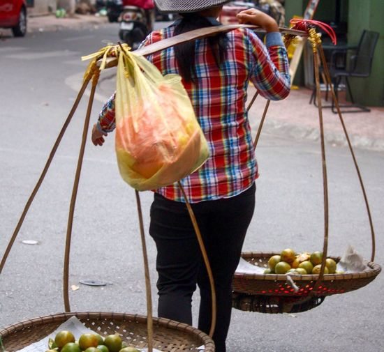 Oranges Balance Fruit Selling Fruit Fruit Seller Making A Living Street Photography Truc Bach, Hanoi Hanoi, Vietnam Ba Dinh, Vietnam Up Close Street Photography