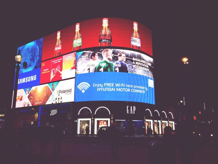 Big Screen Check This Out Feel The Journey LONDON❤ London By Night