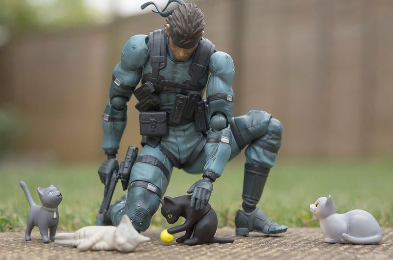 Even everyone's favourite nuclear weapon busting, badass likes cats! Showcase July Metal Gear Solid Cat Cats Toyphotography Photography Toys