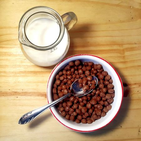 Eating Cereal Cereals&Milk Cerealicious Breakfast Cereals Breakfast Time Eyeem Food  Leche Milk Huge Breakfast Healthy Lifestyle Healthy Food Good Breakfast Healthy Breakfast Chocolate Cereal Chocolate Cenital View