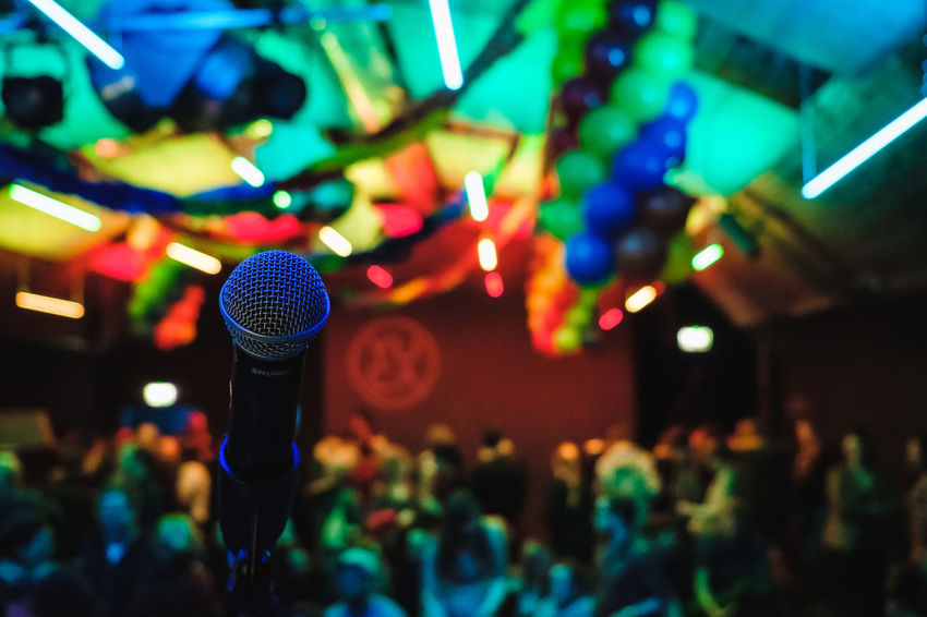 on stage Balloons Bokeh Crowd Event Fujifilm Indoors  Large Group Of People Microfone Multi Colored Stage Stage - Performance Space Xpro2