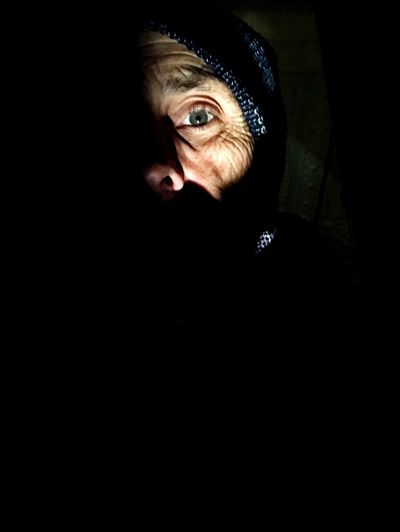 A killing time waiting to go eat selfie; I'm hungry; Lovelace Hotel Spooky Dark Mystery Black Background Eyeball In A Shadow This Is Aging