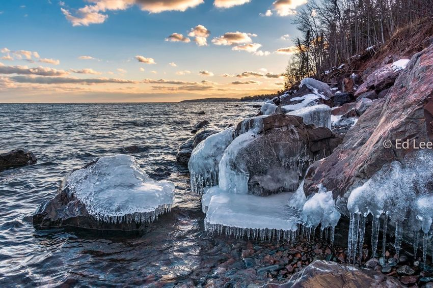 Tonight on the North Shore Sunset_collection Sunset Streamzoofamily Malephotographerofthemonth Nature Beauty In Nature Sea Tranquility Scenics Water Sunset Winter Sky Cold Temperature Tranquil Scene Snow No People Outdoors Horizon Over Water Cloud - Sky Frozen Ice Beach