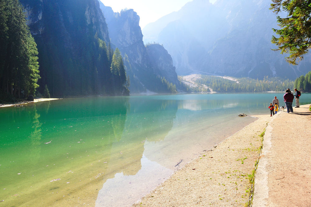 Alps Green Color Harvest Season Lake Mountain Nature Outdoors People Reflections Sea Touristic Destination Tranquility Water Yellow Color