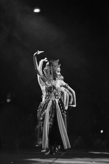 Black & White Monochrome The Dancer BW_photography EyeEm Indonesia Indonesia Traditional Performing Arts Event Art