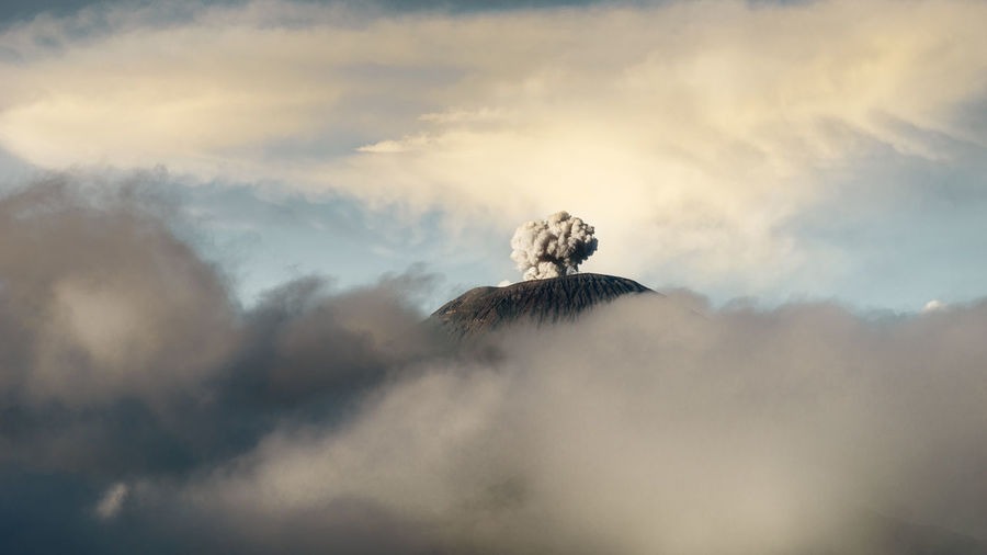 Beauty In Nature Cloud Cloud - Sky Cloudy Day Earth Geology Idyllic Landscape Majestic Mountain Mountain Range Nature No People Non-urban Scene Outdoors Power In Nature Scenics Sky Tranquil Scene Tranquility Volcanic Gas Volcano Weather