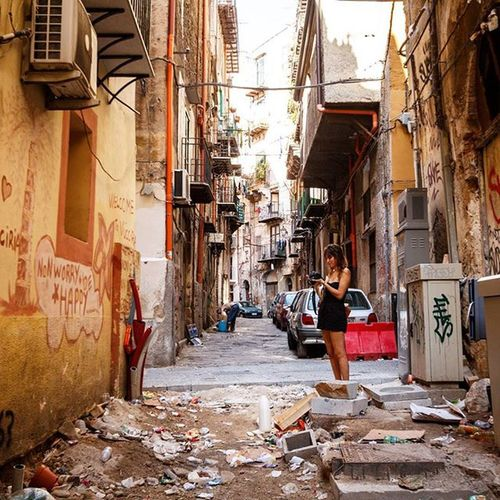 Finding the beauty in the decay - the alleyways and sidestreets of Palermo Ventoura Palermo Sicily Italy travel streets urbandecay