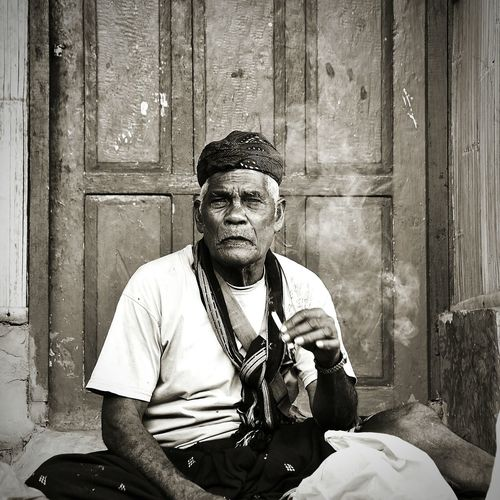 Old man Musician Looking At Camera Mid Adult Sitting Old-fashioned First Eyeem Photo