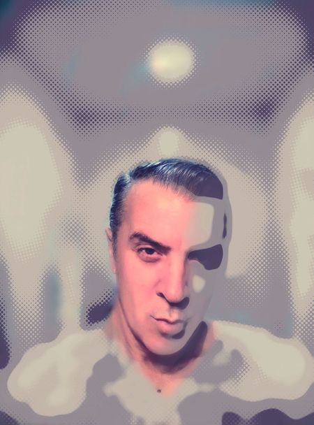 Autorretrato. Modelo: Paco Arbonés. One Person Human Body Part Portrait Technology