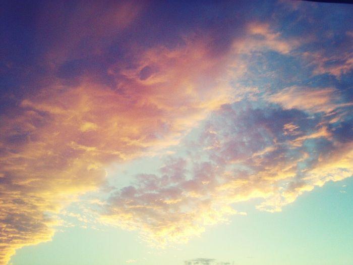 l'amour est comme le ciel Clouds