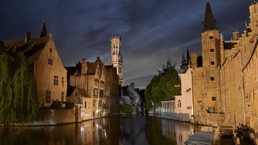 Architecture Bruges Building Building Exterior Built Structure Canal Castle City City Life Cloud Cloud - Sky Day No People Old Town Outdoors Residential Building Residential District Residential Structure Sky Town Travel Destinations Water ブリュージュ 布鲁日 브뤼헤