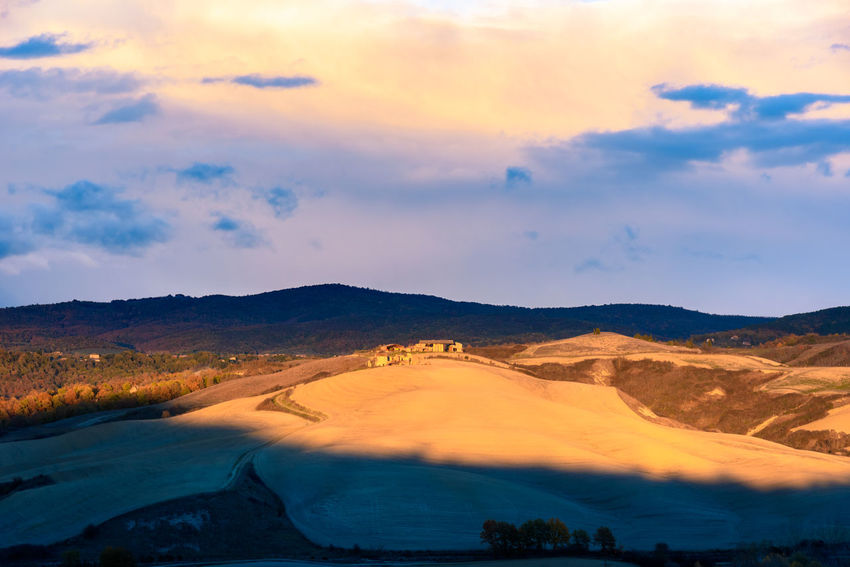 Last days of autumn Crete Senesi Torre A Castello Tuscany Tuscany Countryside Beauty In Nature Cloud - Sky Day Landscape Mountain Mountain Range Nature No People Outdoors Scenics Siena Sky Sunset Tranquil Scene Tranquility Tree