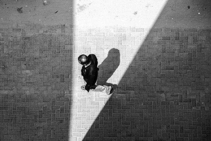 Shadow EyeEm Selects Breathing Space People Black And White Monochrome Photography Monochrome _ Collection Monochrome Dubai❤ Eyeemdubai Monochromatic Blackandwhite Photography EyeEm Best Shots - Black + White Street Photography Streetphoto_bw Streetphotography FUJIFILM X-T1 Fuji 18-55,