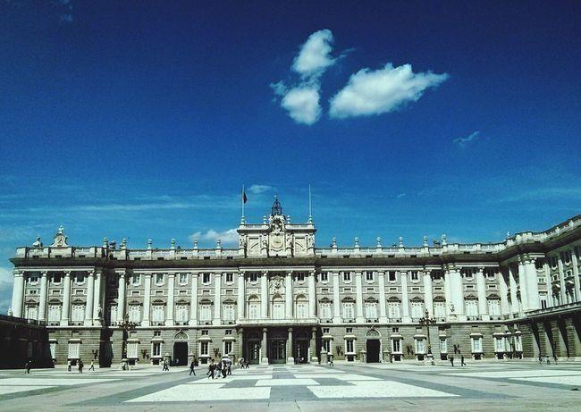 Tarde majestosa em Madrid Sightseeing Historical Sights Cloud Madrid