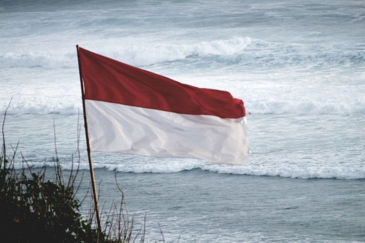 Indonesian flag and waves Indonesian Indonesian Photographers Collection Asean National Identity Patriotism INDONESIA Indonesian Flag Indonesia Raya Waves Ocean Nature Shore Shoreline Blowing Windy Proud Bali Photography South East Asia Wave Sea Red Beach Motion National Flag Flag National Icon Patriotism Waving Symbolism