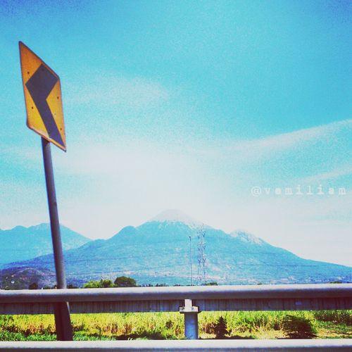Pass on. Direction Mountain View Mountainview Blue Sky Bluesky Gunung Penanggungan