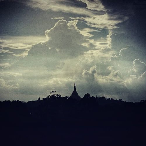 Shwedagon UtopiaTower Cloudy Instaphotography PhotoOfTheDay narcoticphotography YangonDreamPhotography