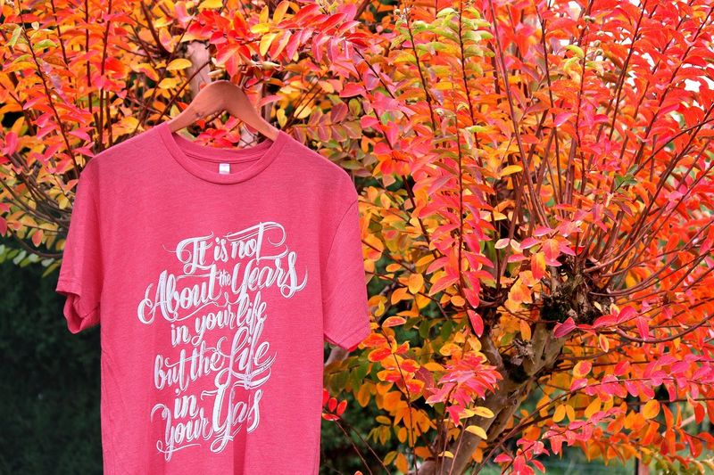 """🍁""""Add life in your years""""on tri-blend Chili Red at mindfultee.me 👉http://bit.ly/autumnmood🍁 Red Hanging Autumn Close-up Text Outdoors No People Conceptual Motivation Life Years Lettering Apparel Tshirt♡ Tshirt Confortable Triblend"""