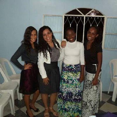 Na igreja com minhas lindas amigas :D QueDeusnosabençoe