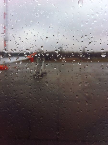 Airplane mode, on I Married My Suitcase From An Airplane Window EasyJet Airplane Rainy Days Giorni Felici In The Terminal Club Dei Viaggiatori Solitari