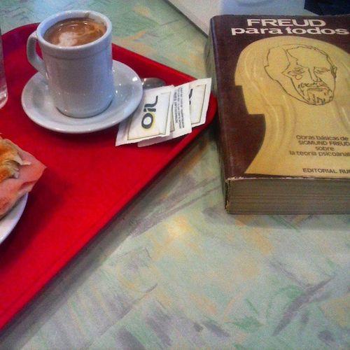 la mejor manera de empezar mi dia.. Cafe Mañana Freud Psicoanálisis buendia porteño baires