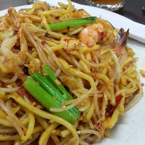"""Spicy Noodle"" - literally, it is as the name said. Really spicy, non-oily, superbly flavorful n fragrant that gets ur attention a few tables away, affordable, has 'wok-hei' {( also known as 'wok chi[qi] in western cookbook). As defined by wiki - is the flavor, tastes & essence imparted by a hot wok on food during stir frying. (Wok thermal radiation). Particularly important for Chinese dishes requiring high heat for fragrance....}. Aroii Cuisine_captures Dailylicious Foodphotography Foodstamping Foodstagram Foodspotting Foodgram Foodsharing Foodartstylesgf Foodpics Foodporn Foodpornasia Glutto Pic_of_food Singapore InstaYummy Instafood Igfood Ilove_bfp Ilovesharingfood Igsgfoodies Icapturefood Jj_food Nomnomnom sgfood sharefood worldfoodsth yum yummy"