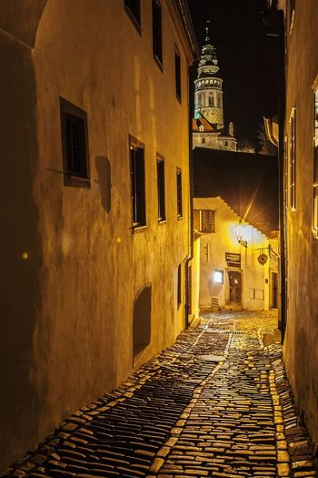 Low angle view of ceksy krumlov castle at night